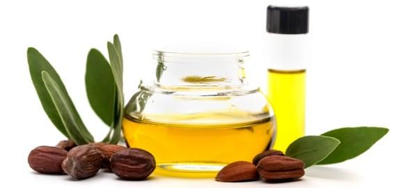 масло жожоба для избавления от сухой кожи лица