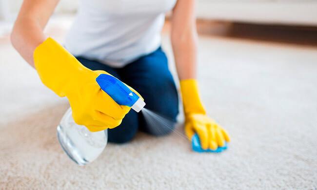 как избавиться от запаха на ковре